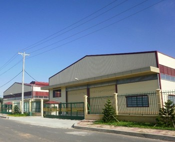 Warehouses for rent industrial park