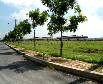Factories for rent to build on a land